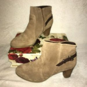 NWOT BASS ANKLE BOOTS NEVER WORN